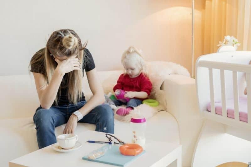 stressed mom, sad mom